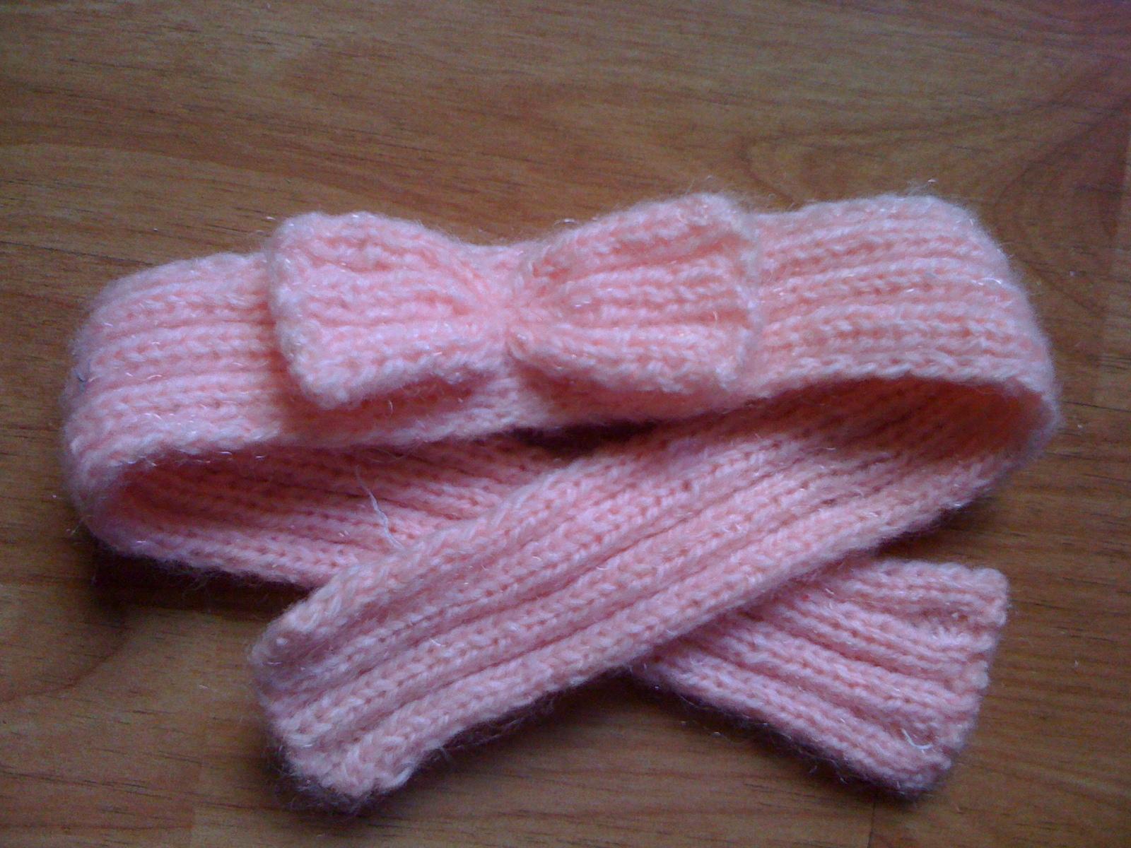 妈妈手工编织的毛线发带