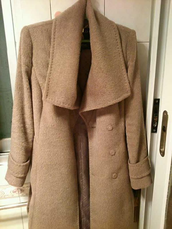大衣和鞋子,加上男人的羽绒和裤子