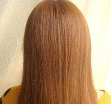 长发发型扎法步骤1:取梳子把头发梳顺