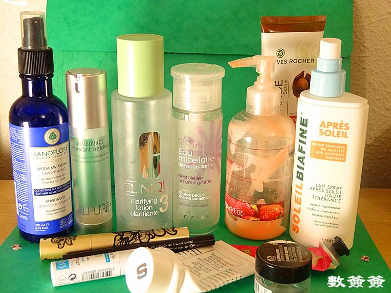 品,比如唇膏,清洁面膜,晒后修 先从水说好了:   SANOFLORE的