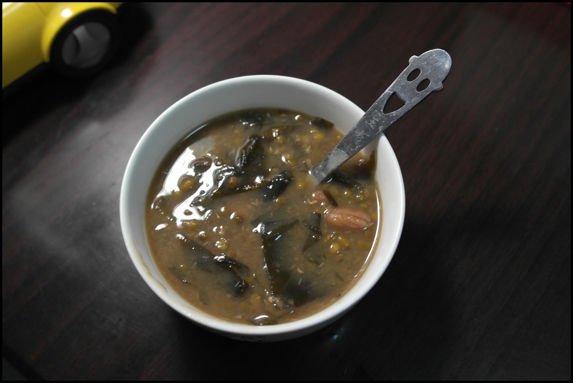 解暑的海带花生绿豆汤