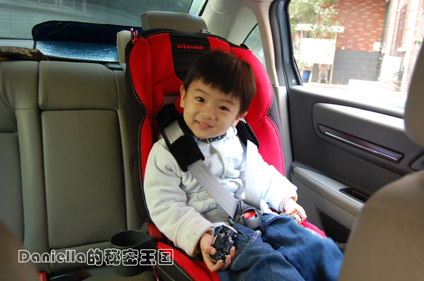 安全座椅,它不光可以在汽车上使用