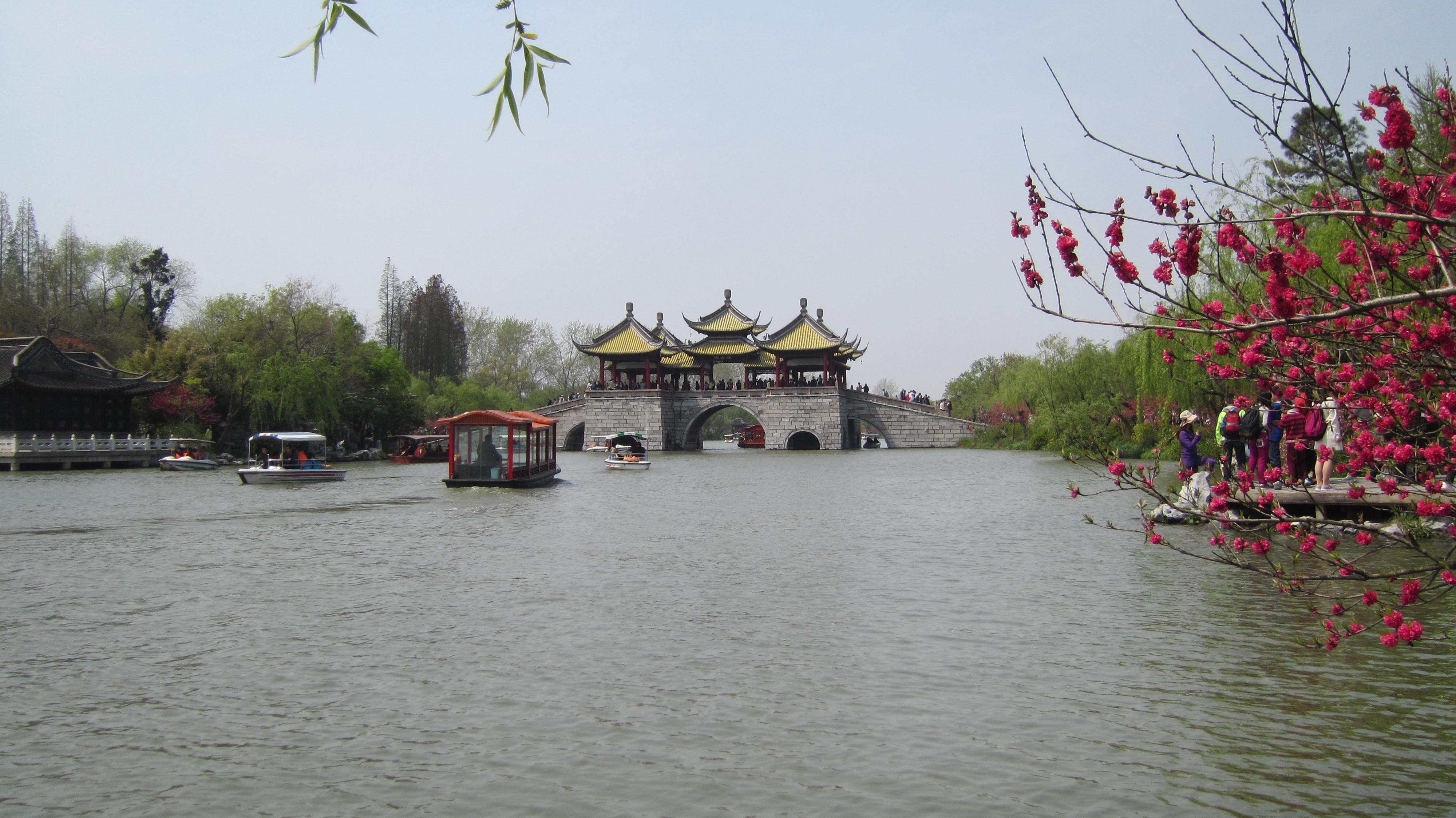 扬州风景古代美女图片