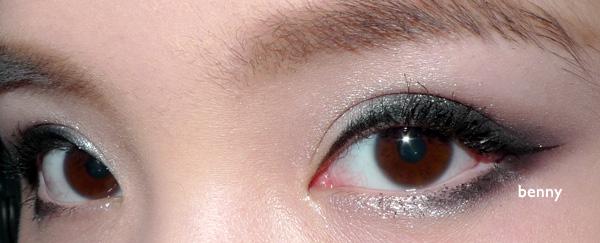 自从以前倒睫眼睛发炎以后就很少戴美瞳了
