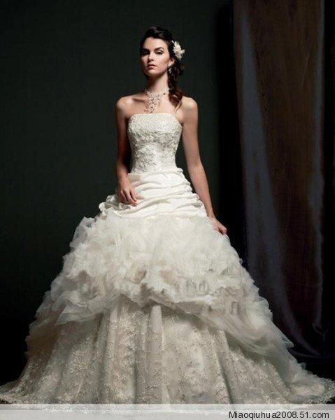 唯美的婚纱礼服