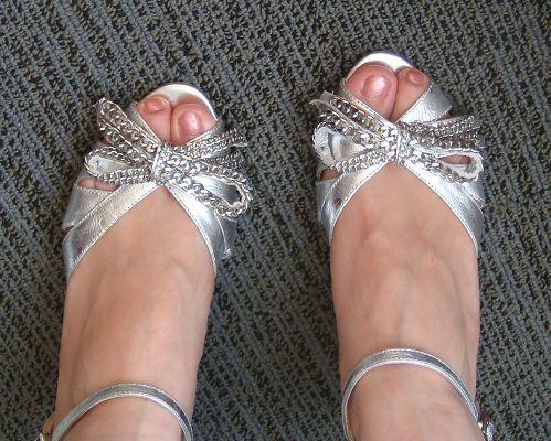 美女 脚丫 图片; 凉鞋
