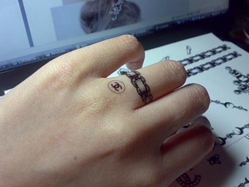 月亮情侣纹身