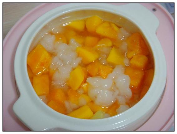 冬季甜品の木瓜炖雪蛤