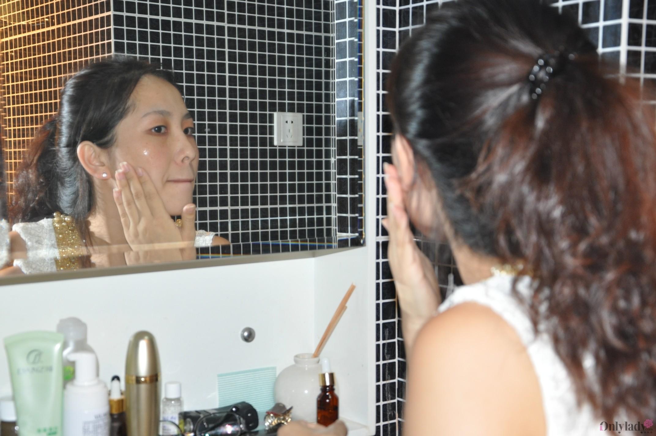 小女子分享护肤步骤,直接上脸图